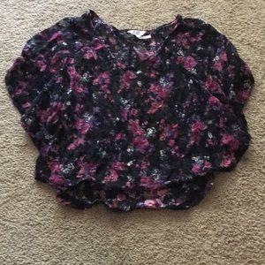 Gorgeous floral Kirra shirt.
